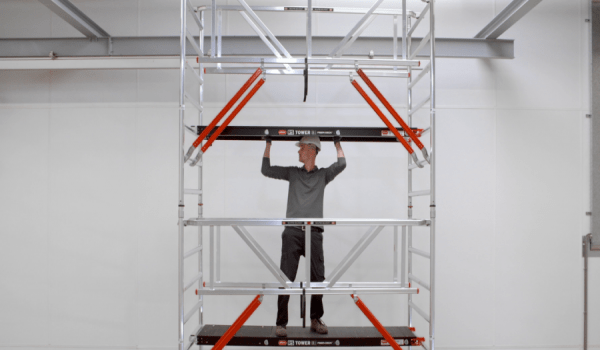 How do you build a facade-free RS TOWER 5-S rolling tower with Safe-Quick®?