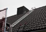Met de Ladder-nokhaak werk je veilig, omdat je bij het betreden van het dak je ladder kunt 'haken' achter de nok.