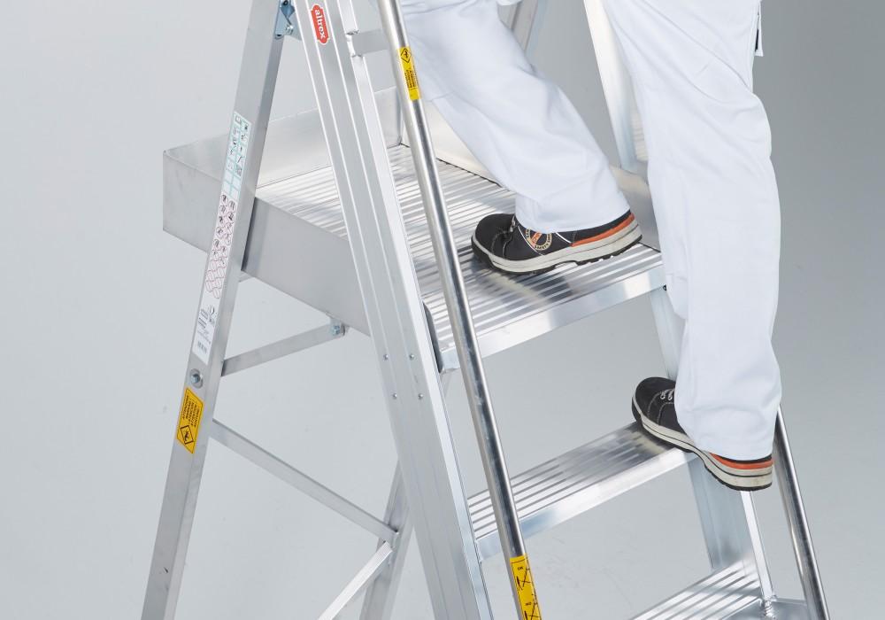 Altrex rolhouse handige magazijntrap - Handige trap ...