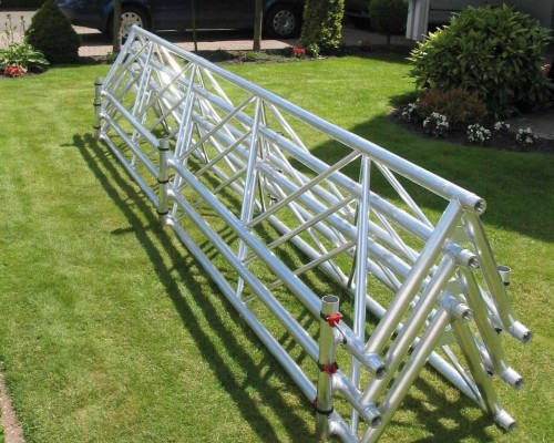 The trusses are easy to stack due to the open, v-shaped design