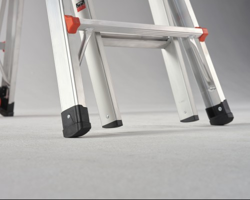 Always sturdy and stable when using the folding ladder.