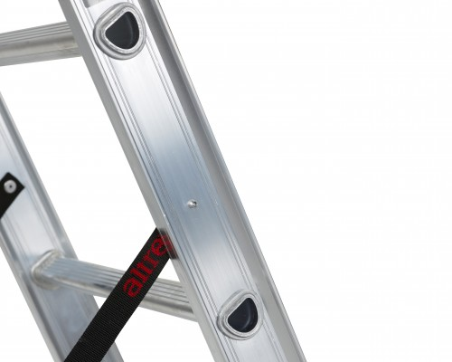 The ladder incorporates the D-rung, unique to Altrex.