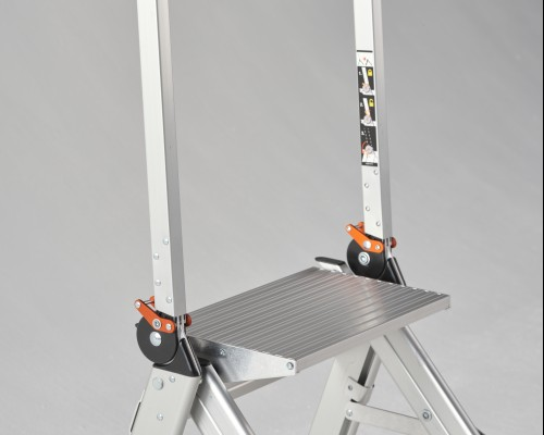 Safe and functional Jumbo Step stepladder