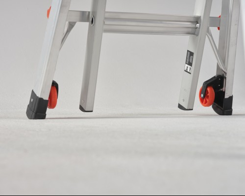 The Velocity folding ladder can easily be changed to another position